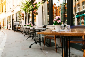 an outdoor restaurant that is covered by a restaurant insurance policy